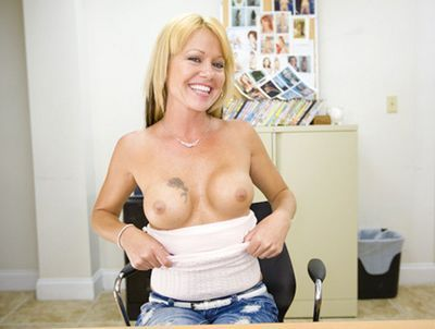 Backroom Milfs videos